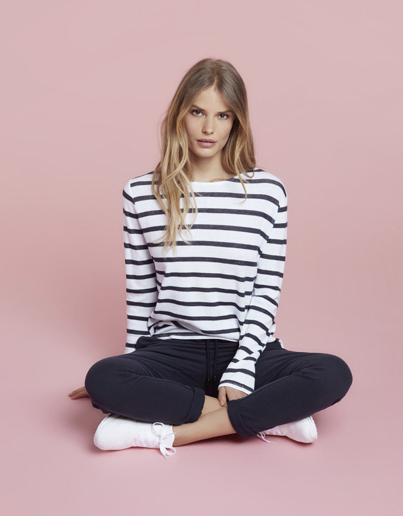 Juvia | Sweater (gestreift) und Jogginghose